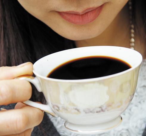 Cách pha cà phê thơm ngon không khác uống ở tiệm
