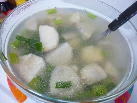 Canh khoai sọ nấu tôm